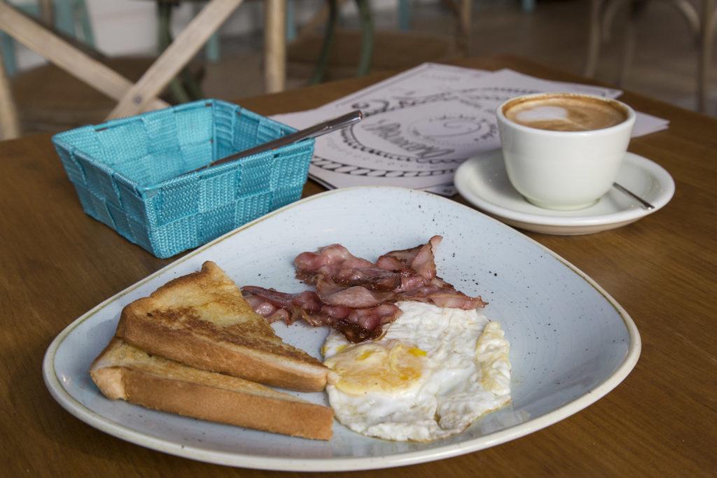 Paquidermocafe-desayuno-americano